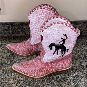 Maya Bronco Style Boots